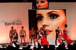 Show Persil Beauty Express por Paulo Persil na HAIR BRASIL 2012 - 12 ª Feira Internacional de Beleza, Cabelos e Estética, que acontece de 24 a 27 de março no Expocenter Norte, em São Paulo. FOTO: Jefferson Bernardes/Preview.com