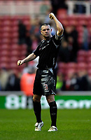 Photo: Jed Wee/Sportsbeat Images.<br /> Middlesbrough v West Bromwich Albion. The FA Cup. 17/02/2007.<br /> <br /> West Brom's Paul Robinson celebrates with the fans after his team earns a home replay.
