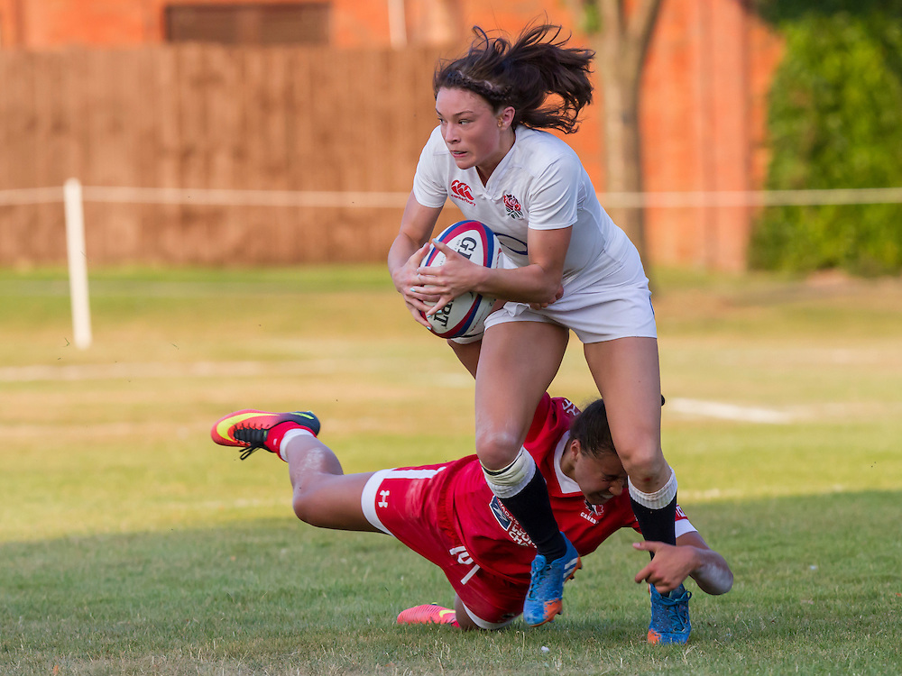 Kelly Smith in action, U20 England Women v U20 Canada Women at Trent College, Derby Road, Long Eaton, England, on 18th August 2016