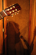 Belo Horizonte_MG, Brasil...Silhueta de Paplo Castro e a Banda dos Descontentes...Silhouette of Pablo Castro e Banda dos Descontentes...Foto: LEO DRUMOND / NITRO
