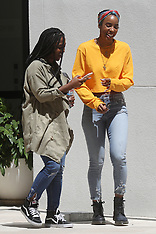 Kelly Rowland appears in great spirits while posing - 3 March 2018