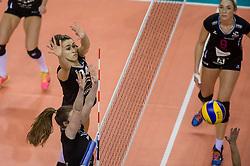20-02-2016 NED: Coolen Alterno - Eurosped TVT, Almere<br /> Eurosped wint met 3-2 van Alterno en speelt morgen de finale / Heleen Hesselink 314 of Alterno