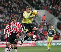 Photo: Lee Earle.<br /> Southampton v Derby County. Coca Cola Championship. 04/02/2006. Recent Southampton signing Bartosz Bialkowski (C).