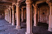 Inde, état du Madhya Pradesh, Mandu, mosquée Dilawar Khan édifiée par Dilawar Khan en 1405 // India, Madhya Pradesh state, Mandu,