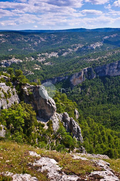 Peña del Reloj. El Hosquillo. Parque Natural de la Serranía de Cuenca. Cuenca. ©ANTONIO REAL HURTADO / PILAR REVILLA