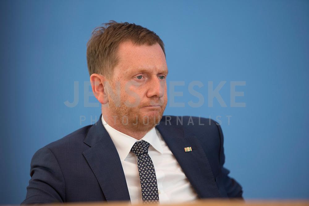 DEU, Deutschland, Germany, Berlin, 03.07.2020: Sachsens Ministerpräsident Michael Kretschmer (CDU) in der Bundespressekonferenz zum Thema Kohleausstiegsgesetz.