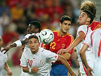 v.l. Hamed Namouchi, Pablo<br /> Fussball WM 2006 Spanien - Tunesien<br /> Spania - Tunisia <br />  Norway only