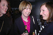 Jessica Halim, .Lisa KIppenberger-Herfeldt and Anne Katrin Ahrens,  Tate Modern. 7 Febriuary 2006. -DO NOT ARCHIVE-© Copyright Photograph by Dafydd Jones 66 Stockwell Park Rd. London SW9 0DA Tel 020 7733 0108 www.dafjones.com