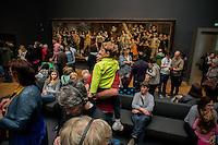 Bartholomeus van der Helst, Company of Captain Roelof Bicker and Lieutenant Blaeuw, 1643,<br /> <br /> Le Rijksmuseum Amsterdam est un musee national consacre aux beaux-arts, a l'artisanat et a l'histoire du pays. Il est le plus important musée neerlandais en termes de frequentation et d'œuvres d'art avec plus de 2 450 000 visiteurs en 2014 pour un fond d'environ un million de pieces.<br /> Situe entre la Stadhouderskade et la Museumplein (la «Place des Musees»), dans l'arrondissement Amsterdam Oud-Zuid, il presente au public, a travers quelque deux cents salles d'expositions une vaste collection de peintures du siecle d'or neerlandais. <br /> C'est aussi au Rijksmuseum qu'est attache le Rijksprentenkabinet (le «Cabinet national des estampes»). Le musee possede en outre une riche collection d'objets d'art asiatiques.<br /> Le Rijksmuseum a ete fondee a La Haye en 1800 et a demenage à Amsterdam en 1808. Il était situe d'abord dans le palais royal et plus tard dans les Trippenhuis.<br /> Le batiment principal actuel a été conçu par Pierre Cuypers et a ouvert ses portes en 1885.<br /> Le 13 Avril 2013, apres une renovation de dix ans qui a coute 375 millions €, le batiment principal a ete rouvert par la reine Beatrix.<br /> <br /> The Rijksmuseum  (Imperial Museum) is a Dutch national museum dedicated to arts and history in Amsterdam. The museum is located at the Museum Square in the borough Amsterdam South, close to the Van Gogh Museum, the Stedelijk Museum Amsterdam, and the Concertgebouw.<br /> The Rijksmuseum was founded in The Hague in 1800 and moved to Amsterdam in 1808, where it was first located in the Royal Palace and later in the Trippenhuis. The current main building was designed by Pierre Cuypers and first opened its doors in 1885.On 13 April 2013, after a ten-year renovation which cost € 375 million, the main building was reopened by Queen Beatrix In 2013 and 2014, it was the most visited museum in the Netherlands with record numbers of 2.2 million and 2.4