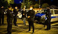 Bialystok, 17.05.2020. Protest pod bialostocka kuria archidiecezjalna pod haslem DOSC ZABAWY W CHOWANEGO, przez co dzialacze Lewicy chca okazac solidarnosc z ofiarami ksiezy pedofili N/z policja spisala wszystkich uczestnikow protestu, Pawel Krutul posel Lewicy fot Michal Kosc / AGENCJA WSCHOD