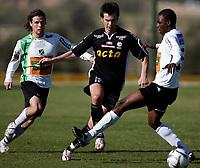 Fotball <br /> La Manga - Spania <br /> 21.03.08<br /> Hønefoss  v  Randaberg  1-0 <br /> <br /> Foto: Dagfinn Limoseth, Digitalsport<br /> <br /> Stian Rasch og Umaru Bangura , Hønefoss og Bjarte Lunde Aarsheim , Randaberg