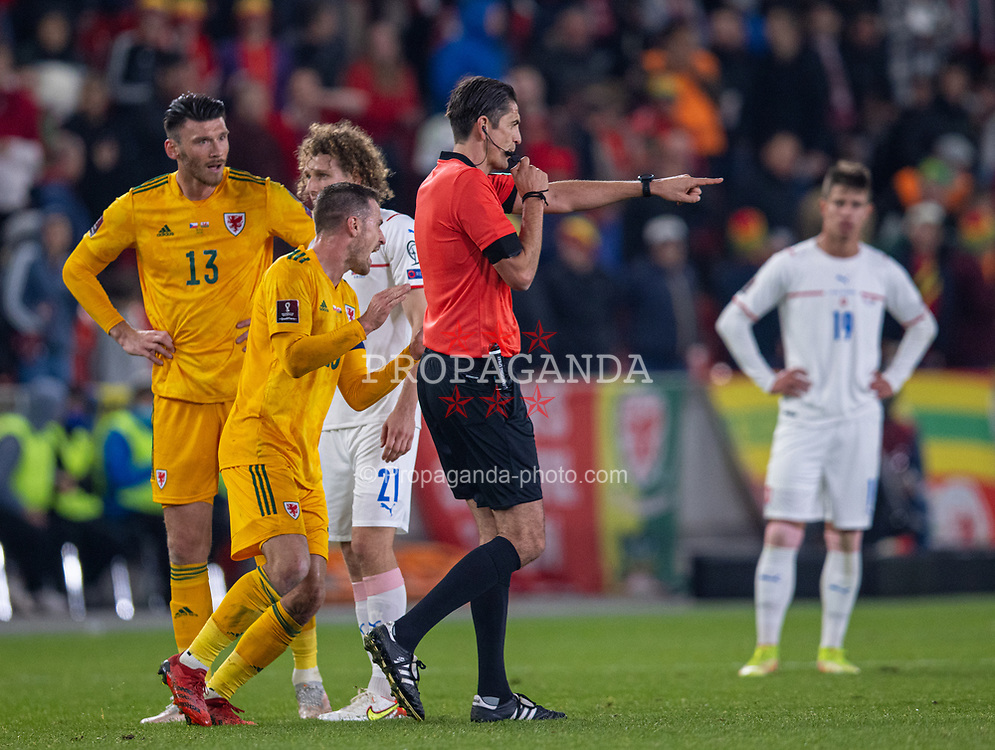 PRAGUE, CZECH REPUBLIC - Friday, October 8, 2021: Referee Deniz Aytekin awards Wales' second goal after a VAR review during the FIFA World Cup Qatar 2022 Qualifying Group E match between Czech Republic and Wales at the Sinobo Stadium. The game ended in a 2-2 draw. (Pic by David Rawcliffe/Propaganda)