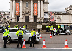 © Licensed to London News Pictures. 29/04/2020. London, UK. A large Police presence in Westminster today as Police Officers stop and search motorists in Westminster next to Tate Britain on Millbank. Officers searching vehicles and checked drivers during lockdown as the coronavirus pandemic crisis continues. Photo credit: Alex Lentati/LNP