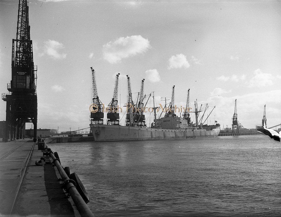 "13/02/1958<br /> 02/13/1958<br /> 13 February 1958<br /> Docks strike: Dublin Port and Alexandra Basin Dock Strike. View of the merchant ship ""S.S. Virginia""."