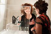 HELENA BONHAM-CARTER; LULU GUINNESS, Lulu Guinness And Rob Ryan Fan Bag - Launch Party. Air Gallery. London. 10 November 2010.  -DO NOT ARCHIVE-© Copyright Photograph by Dafydd Jones. 248 Clapham Rd. London SW9 0PZ. Tel 0207 820 0771. www.dafjones.com.