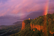 Pacific-Northwest-photographer-randy-wells-videographer-filmmaker-cinematographer-storyteller-writer-location-and-studio-specialist, Image of the Crown Point Vista House overlooking the Columbia River Gorge at sunrise, Oregon, Pacific Northwest