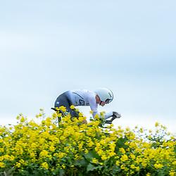 20-05-2021: Wielrennen: testtijdrit; Enkhuizen<br /><br />De WV West Frisia organiseert op de dijk Enkhuizen-Lelystad testtijdritten in de aanloop naar de opstart van het wielerseizoen. Ian Spenkelink