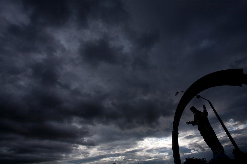Monte Belo_MG, Brasil...Escultura de jesus Cristo em Monte belo...Jesus Christ sculpture in Monte Belo...Foto: LEO DRUMOND / NITRO