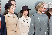 Staatsbezoek Denemarken - Dag 1. Aankomst van het Koninklijk gezelschap op vliegveld Kastrup<br /> <br /> State visit Denmark - Day 1. Arrival of the Royal Family at Kastrup airport<br /> <br /> op de foto / On the photo:  Koningin Maxima ,  Prinses Mary , en Princess Mari