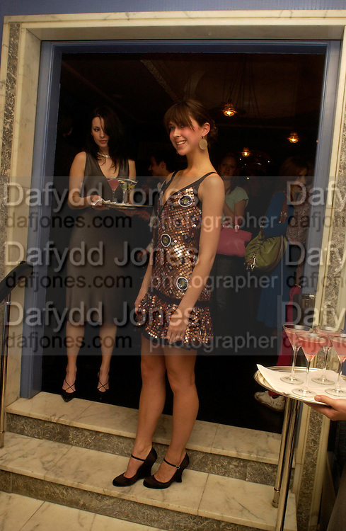Margo Stilley. Zac Posen Spring/ Summer collection launch party. The Blue Bar, Berkeley Hotel. London. 7 March 2004. Dafydd Jones,  ONE TIME USE ONLY - DO NOT ARCHIVE  © Copyright Photograph by Dafydd Jones 66 Stockwell Park Rd. London SW9 0DA Tel 020 7733 0108 www.dafjones.com