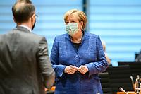 07 OCT 2020, BERLIN/GERMANY:<br /> Angela Merkel, CDU, Bundeskanzlerin, mit Mund-Nase-Maske, vor Beginn der Kabinettsitzung, Internationaler Konferenzsaal, Bundeskanzleramt<br /> IMAGE: 20201007-01-043<br /> KEYWORDS: Sitzung, Kabinett, Corona, Maske, Covid-19, Pandemie,