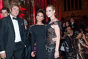 SIMON LE BON; KATE MOSS; VICTORIA BECKHAM, British Fashion awards 2009. Supported by Swarovski. Celebrating 25 Years of British Fashion. Royal Courts of Justice. London. 9 December 2009