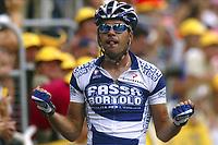 CYCLING - TOUR DE FRANCE 2004 - STAGE 14 - CARCASSONNE > NIMES - 18/07/2004 - PHOTO : NICO VEREECKEN DIGITALSPORT<br /> AITOR GONZALEZ (ESP) / FASSA BORTOLO - WINNER