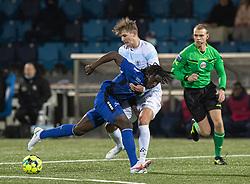 Hans Christian Bonnesen (FC Helsingør) stopper Jubril Adedeji (HB Køge) under kampen i 1. Division mellem HB Køge og FC Helsingør den 4. december 2020 på Capelli Sport Stadion i Køge (Foto: Claus Birch).