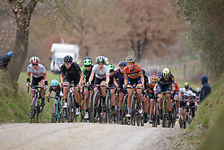 Chasing the remains of the escape on the penultimate gravel sector at Strade Bianche - Elite Women. A 127 km road race on March 4th 2017, starting and finishing in Siena, Italy. (Photo by Sean Robinson/Velofocus)