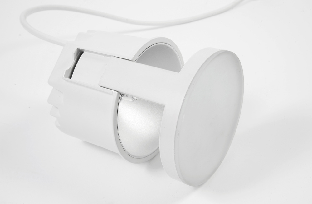 product shot of a white lamp / light with wire shot on white background