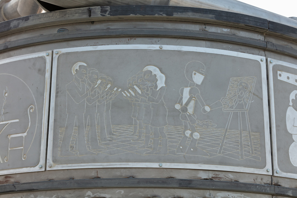 Please let me know if you know the name of this piece. My Burning Man 2018 Photos:<br /> https://Duncan.co/Burning-Man-2018<br /> <br /> My Burning Man 2017 Photos:<br /> https://Duncan.co/Burning-Man-2017<br /> <br /> My Burning Man 2016 Photos:<br /> https://Duncan.co/Burning-Man-2016<br /> <br /> My Burning Man 2015 Photos:<br /> https://Duncan.co/Burning-Man-2015<br /> <br /> My Burning Man 2014 Photos:<br /> https://Duncan.co/Burning-Man-2014<br /> <br /> My Burning Man 2013 Photos:<br /> https://Duncan.co/Burning-Man-2013<br /> <br /> My Burning Man 2012 Photos:<br /> https://Duncan.co/Burning-Man-2012