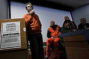 Lavoratori dell' Ospedale CTO Andrea Alesini in assemblea per protestare contro il piano di tagli alla Sanita' nella regione Lazio Roma - 10 dicembre 2012. Matteo Ciambelli / OneShot