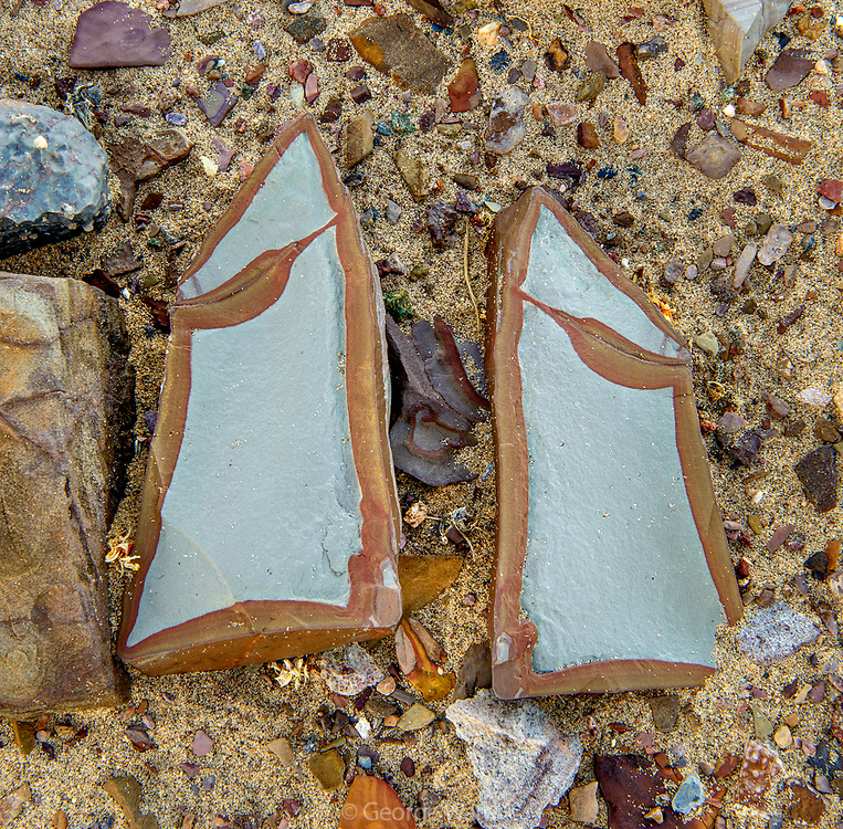 Split Rock revealing shared Pattern, Death Valley National Park, California
