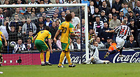 Photo: Mark Stephenson.<br /> West Bromwich Albion v Norwich City. Coca Cola Championship. 27/10/2007.West Brom's Kevin Phillips ( R ) allmost makes it 3-0