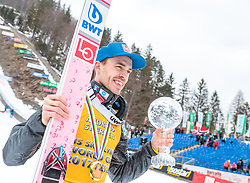 25.03.2018, Planica, Ratece, SLO, FIS Weltcup Ski Sprung, Planica, Siegerehrung, im Bild Andreas Stjernen (NOR) mit der Weltcup Kristallkugel im Skifliegen // Andreas Stjernen of Norway with the Crystal Globe for the Skiflying Worldcup during the Winner Award Ceremony of the FIS Ski Jumping World Cup Final 2018 at Planica in Ratece, Slovenia on 2018/03/25. EXPA Pictures © 2018, PhotoCredit: EXPA/ JFK