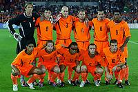 Fotball<br /> EM-kvalifisering<br /> 06.09.2003<br /> Nederland v Østerrike<br /> Foto: Digitalsport<br /> <br /> achter: van der sar - van bommel - stam - frank de boer - phillip cocu en patrick kluivert. voor: reiziger - van der meyde - davids - zenden en van der vaart
