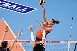 08-01-2016 TUR: European Olympic Qualification Tournament Nederland - Italie, Ankara<br /> De volleybaldames hebben op overtuigende wijze de finale van het olympisch kwalificatietoernooi in Ankara bereikt. Italië werd in de halve finales met 3-0 (25-23, 25-21, 25-19) aan de kant gezet / Anne Buijs #11