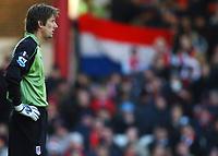 Photo: Javier Garcia/Back Page Images<br />Arsenal v Fulham, FA Barclays Premiership, Highbury, 26/12/04<br />Fulham's Dutch goalkeeper Edwin Van Der Sar