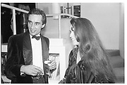 Bob Carlos Clarke and Koo stark. Hoynigen-Huene book party. Hamiltons. 10 November 1986. SUPPLIED FOR ONE-TIME USE ONLY> DO NOT ARCHIVE. © Copyright Photograph by Dafydd Jones 66 Stockwell Park Rd. London SW9 0DA Tel 020 7733 0108 www.dafjones.com