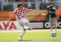 Photo: Chris Ratcliffe.<br /> Japan v Croatia. Group F, FIFA World Cup 2006. 18/06/2006.<br /> Darijo Srna of Croatia misses from the spot in the first half.