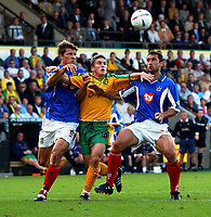 Fotball - England<br /> 2002/2003<br /> Gianluca Festa og Mark Burchill - Portsmouth<br /> Paul McVeigh - Norwich<br /> Foto: Robin Parker, Digitalsport