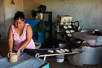 Mexique, Etat de Yucatan, Merida, capitale du Yucatan, fabrication des tacos // Mexico, Yucatan state, Merida, the capital of Yucatan, tacos factory