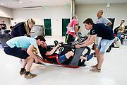 Teamleden testen de VeloX. Het Human Power Team Delft en Amsterdam, dat bestaat uit studenten van de TU Delft en de VU Amsterdam, is in Amerika om tijdens de World Human Powered Speed Challenge in Nevada een poging te doen het wereldrecord snelfietsen voor vrouwen te verbreken met de VeloX 7, een gestroomlijnde ligfiets. Het record is met 121,44 km/h sinds 2009 in handen van de Francaise Barbara Buatois. De Canadees Todd Reichert is de snelste man met 144,17 km/h sinds 2016.<br /> <br /> With the VeloX 7, a special recumbent bike, the Human Power Team Delft and Amsterdam, consisting of students of the TU Delft and the VU Amsterdam, wants to set a new woman's world record cycling in September at the World Human Powered Speed Challenge in Nevada. The current speed record is 121,44 km/h, set in 2009 by Barbara Buatois. The fastest man is Todd Reichert with 144,17 km/h.
