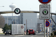 Mlada Boleslav/Tschechische Republik, Tschechien, CZE, 19.03.07: Die Haupt Werkseinfahrt der Skoda Autofabrik in Mlada Boleslav. Der tschechische Autohersteller Skoda ist ein Tochterunternehmen der Volkswagen Gruppe.<br /> <br /> Mlada Boleslav/Czech Republic, CZE, 19.03.07: The main entrance to the Skoda car factory in Mlada Boleslav. Czech car producer Skoda Auto is subsidiary of the German Volkswagen Group (VAG).