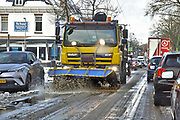 Nederland, Oosterbeek, 9-12-2017In de omgeving van Arnhem is in de nacht veel sneeuw gevallen. De eerste van deze winter. Het verkeer had er veel last van, en sneeuwschuiver en strooiwagen worden ingezet om de wgen begaanbaar te houden.Foto: Flip Franssen