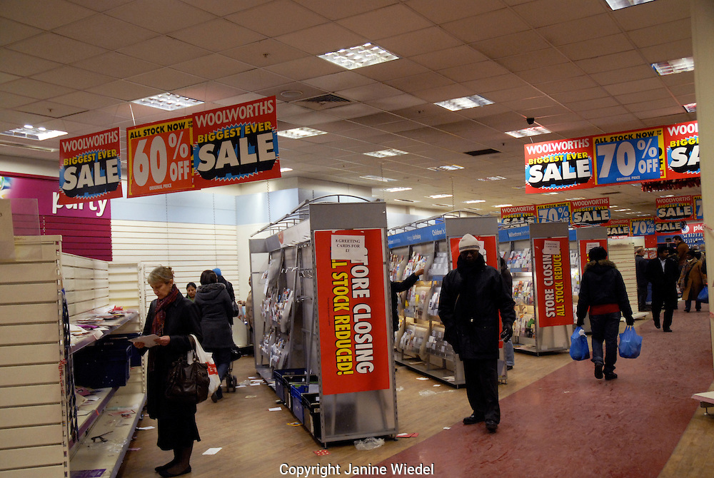 Woolworth closing down in recession January 2009
