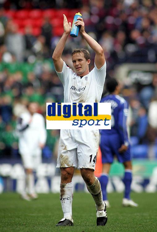 Photo: Paul Thomas.<br /> Bolton Wanderers v Everton. The Barclays Premiership. 09/04/2007.<br /> <br /> Kevin Davies, Bolton goal scorer, thanks the home crowd.