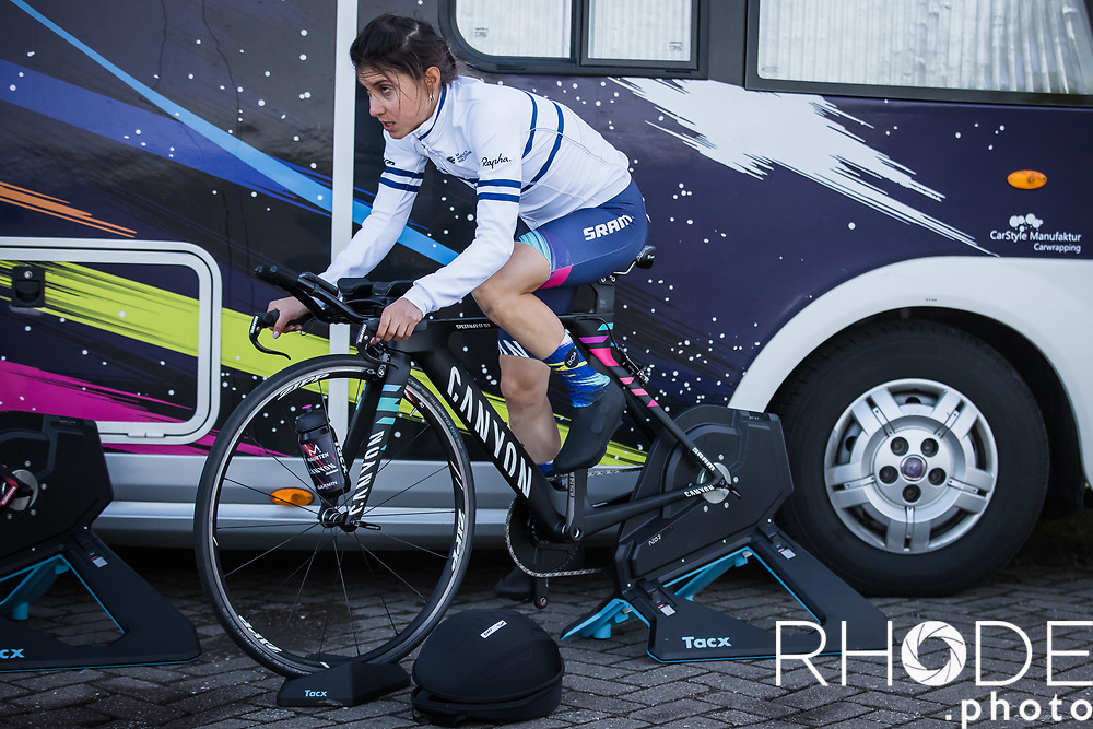 Omer Shapira (ISR/Canyon SRAM) pre race warming up. <br /> <br /> Healthy Ageing Tour (NED) 2021<br /> UCI Women Elite 2.1<br /> Stage 2 : Individual Time Trial (ITT) – Lauwersoog – Het Hoogeland 14.4km<br /> <br /> ©RhodePhoto