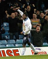 Fotball<br /> Premier League England<br /> 06.01.2004<br /> Foto: Digitalsport<br /> Norway Only<br /> <br /> ASTON VILLA v PORTSMOUTH<br /> AIYEGBENI YAKUBU CELEBRATES PORTSMOUTH'S 1ST GOAL