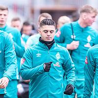 16.11.2020, Trainingsgelaende am wohninvest WESERSTADION - Platz 12, Bremen, GER, 1.FBL, Werder Bremen Training<br /> <br /> <br /> Spieler kommen zum Training mit dabei Davie Selke  (SV Werder Bremen #09)<br /> Milot Rashica (Werder Bremen #07)<br /> Yuya Osako (Werder Bremen #08)<br /> <br /> <br /> <br /> Foto © nordphoto / Kokenge *** Local Caption ***